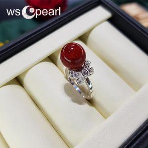 Nhẫn san hô mang tông màu đỏ sang trọng